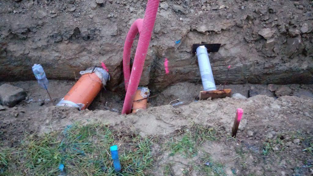 Průchodky, nakonec se voda protáhla společně s kanalizací